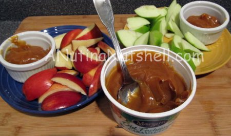 apples and Marzetti caramel dip