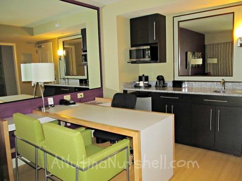 Embassy-Suites-RDU-work-space