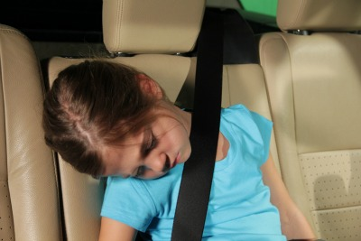 sleeping-child-in-car