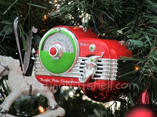 Hallmark-North-Pole-Countdown-Ornament