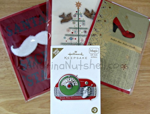 Hallmark-holiday-gift-pack