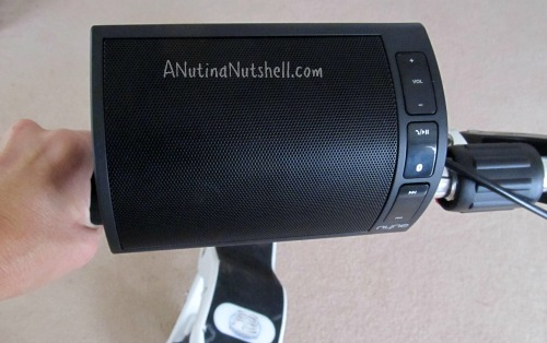 Nyne-NB200-speaker-on-handlebars