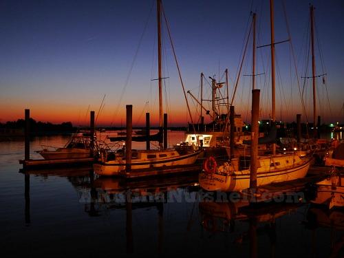 Beaufort-waterfront-sunset-sailboats