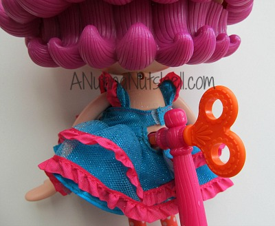 Lalaloopsy-singing-doll-key-stand