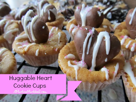 Huggable Heart Cups cookies