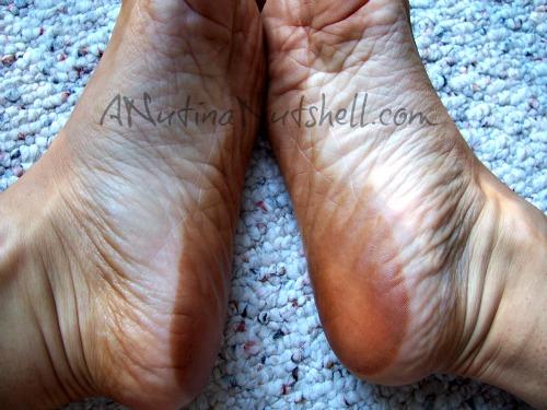 spray-tanned-feet-mishap