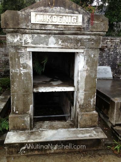Lafayette Cemetery No. 1 grave