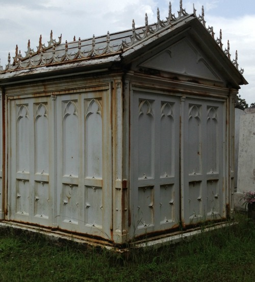 New Orleans Lafayette Cemetery No. 1 'Vampire Lestat tomb Anne Rice movie'