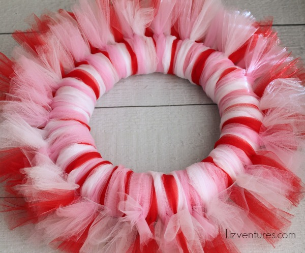 Valentine's Day Craft - how to make a tulle wreath