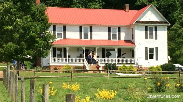 The Longest Ride - Farmhouse on set