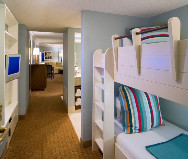 Hilton Sandestin Beach - guest rooms with bunk beds