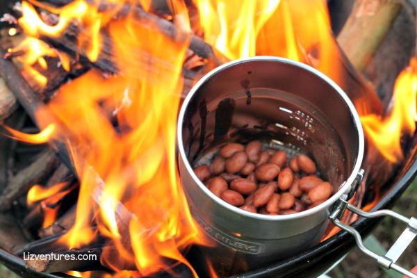 how to cook baked beans over a fire
