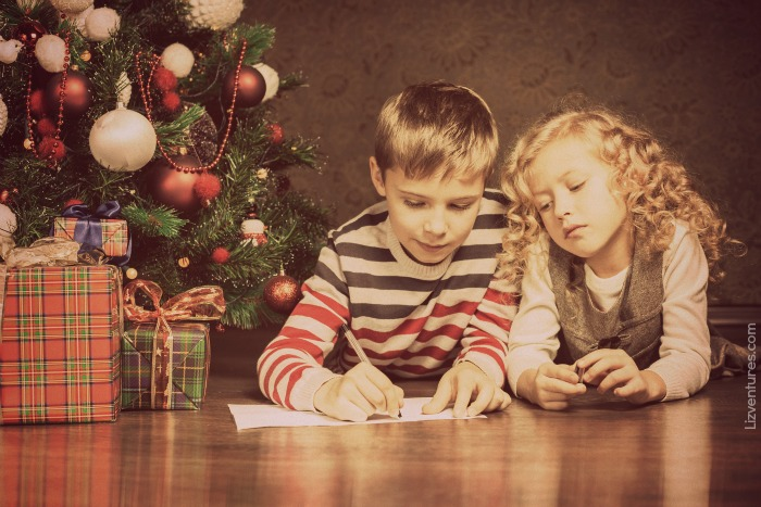 kids making Christmas wishlist