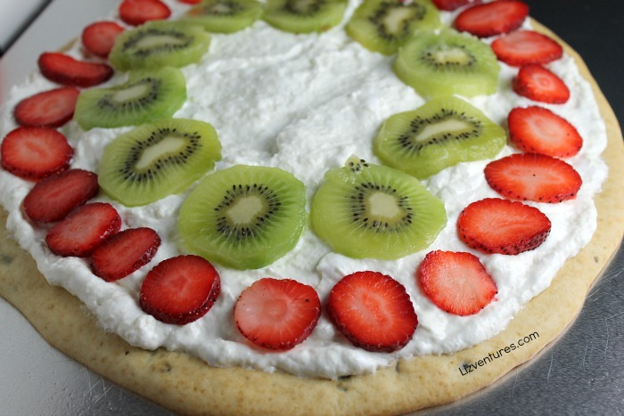 how to make a fruit pizza pancake