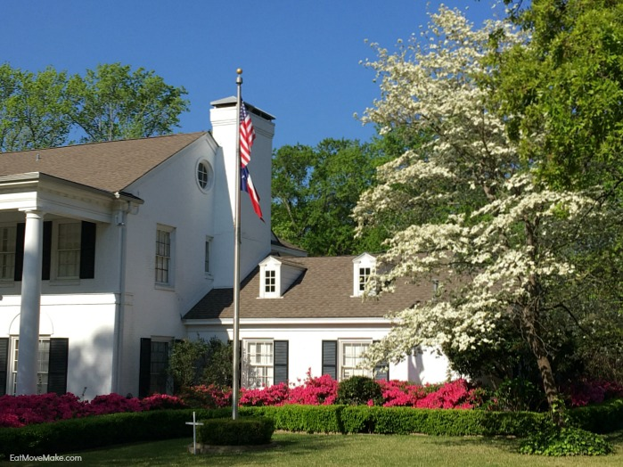 historic homes along Azalea Trail