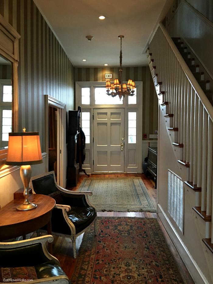 Clifton Inn Charlottesville - entryway