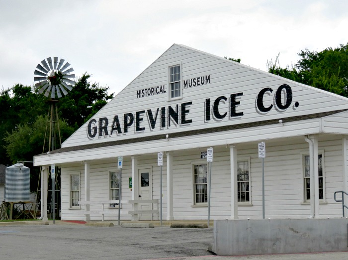 grapevine-historical-museum-and-prairie-water-public-art-grapevine-texas