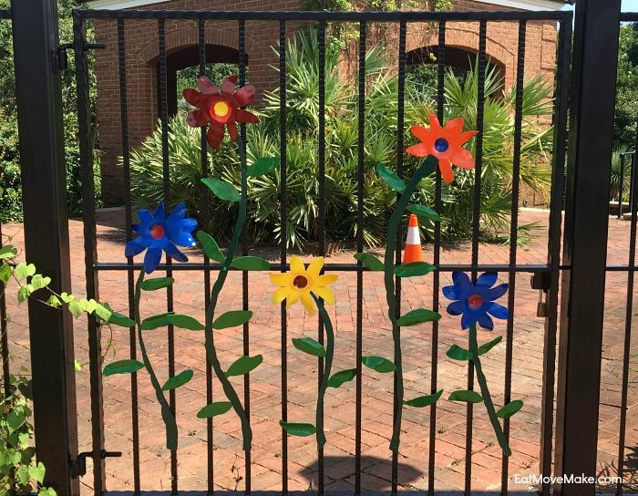 gate at botanical garden Riverbanks Zoo