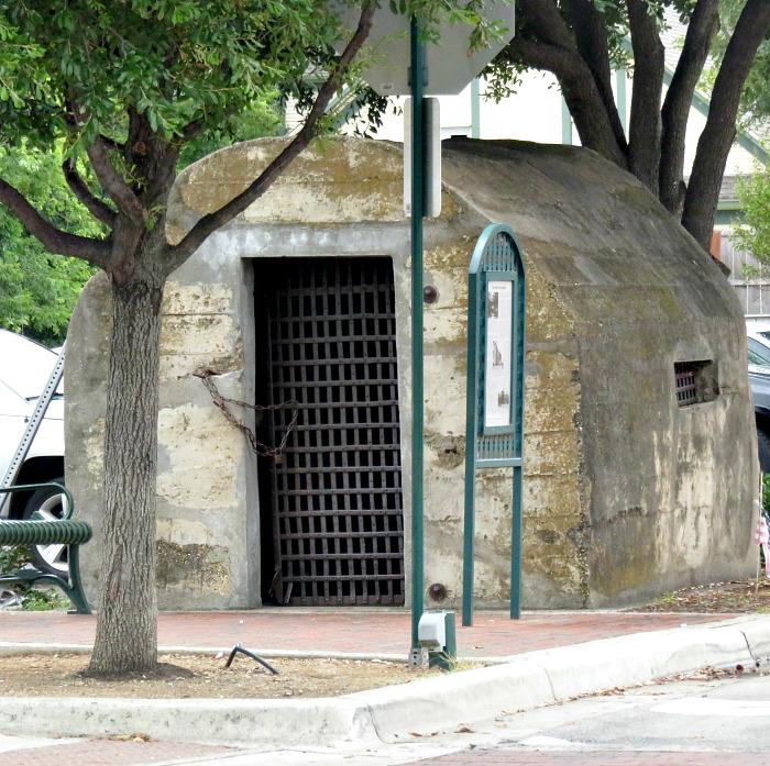 historic-downtown-grapevine-tx-calaboose
