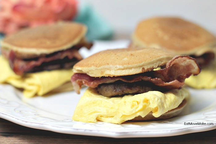 mini-maple-pancake-sandwiches