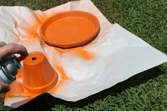 how-to-make-a-diy-halloween-candy-bowl-spray-paint-clay-pot-and-platter
