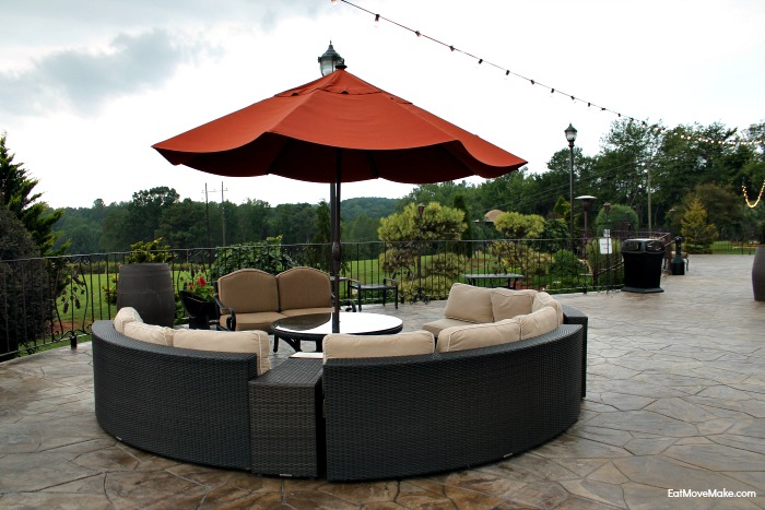 herrera-vineyards-patio-seating