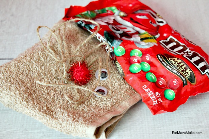 how-to-make-a-reindeer-washcloth-gift