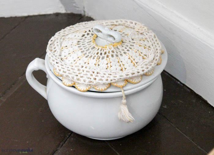 chamber pot husher