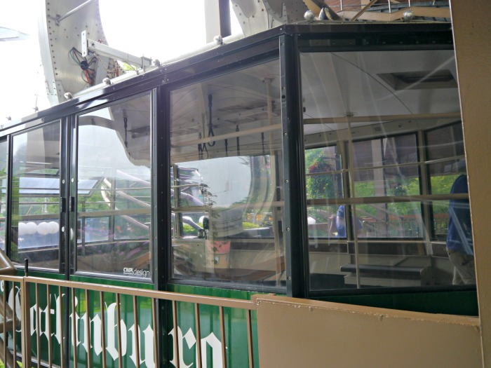 Ober Gatlinburg aerial tramway car