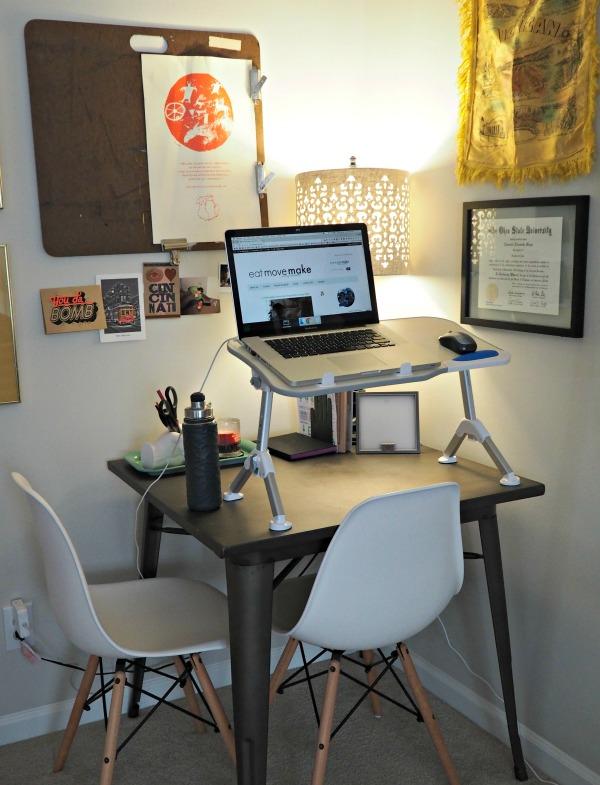 Standing desk riser