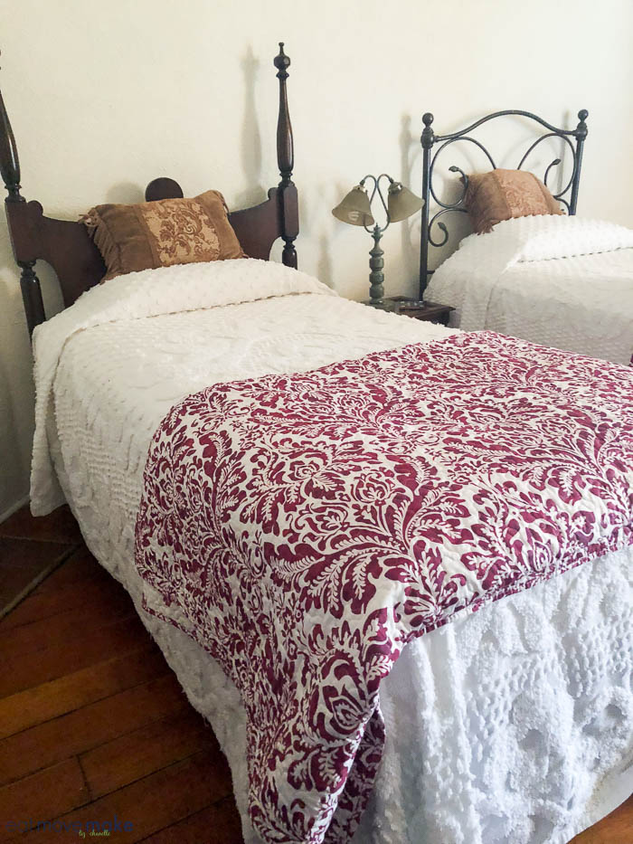 Twin Bed Hotel Room: Lincoln New Mexico's Wild West B&B Escape