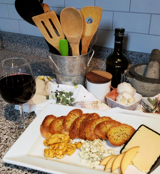 Italian Wine with Cheese Plate