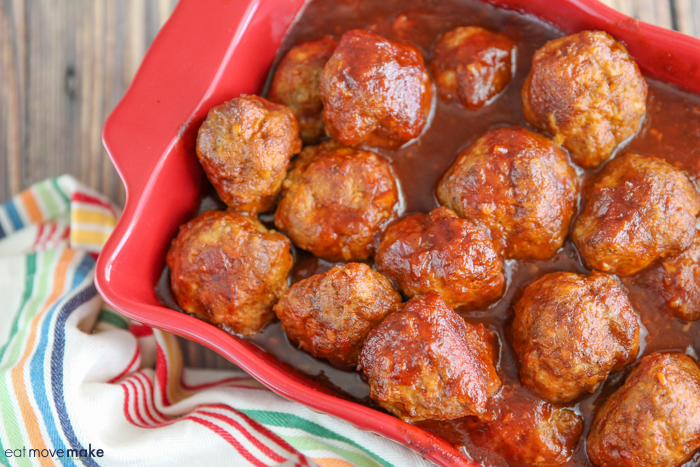 a dish of meatballs