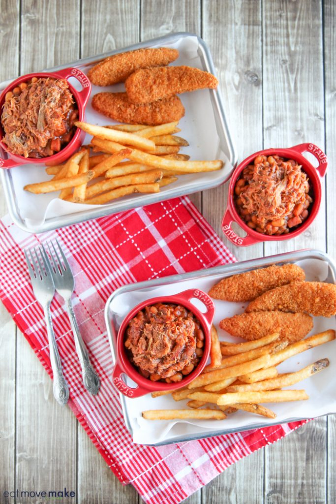 skillet-baked-beans-on-trays-ready-to-serve