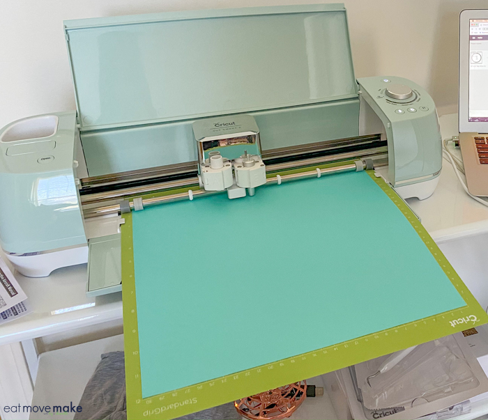 iron-on and mat in Cricut Explore Air 2