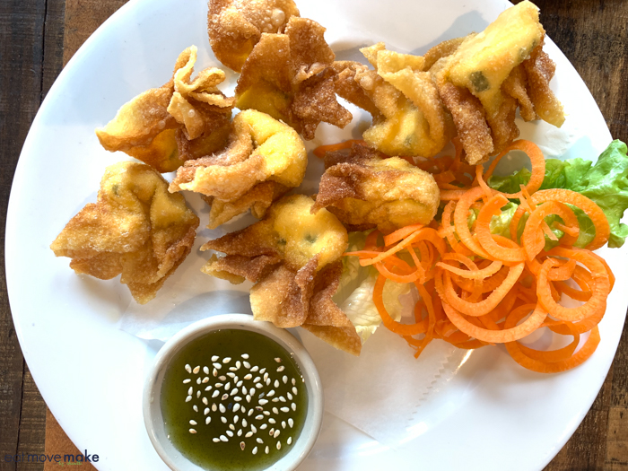 fried cream cheese wontons at District Thai